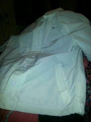 Chubasquero polar. de Nike talla L.