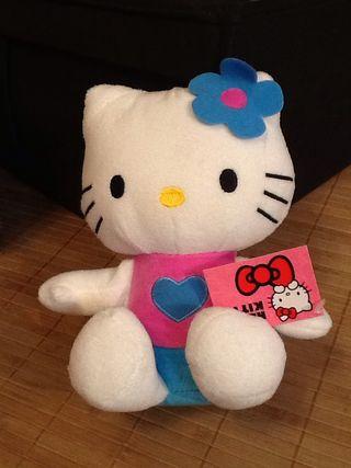 Kitty Peluche Con Etiqueta