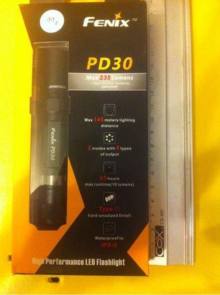 Linterna Fenix PD30