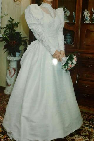 Vestido / traje de novia.
