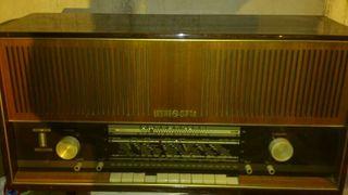 Radio antigua loewe opta