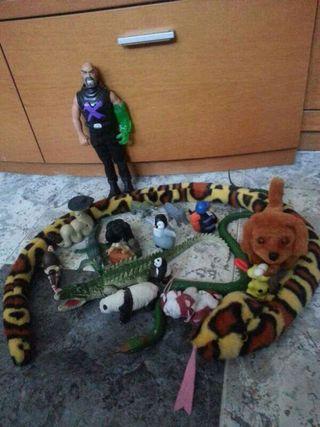 animales y muñecos