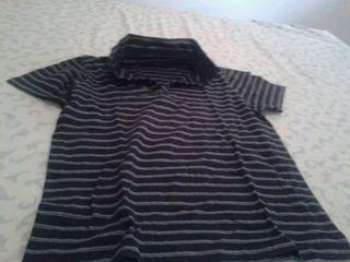 Camiseta negra y gris