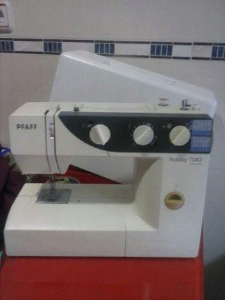 Maquina de coser semiprofesional hace ojakes acolcha y otras utilidades