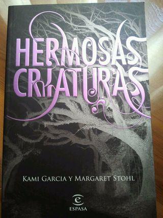 """""""Hermosas Criaturas"""" de Kami Garcia y Margaret Stohl"""