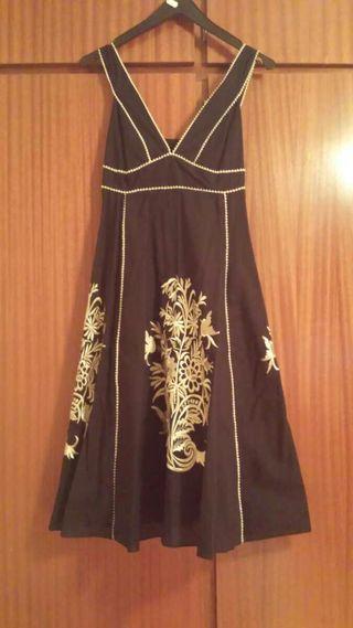 Vestido negro flores doradas
