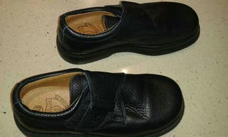 Zapatos de colegio azul marino número 33