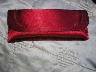 Bolso rojo de fiesta