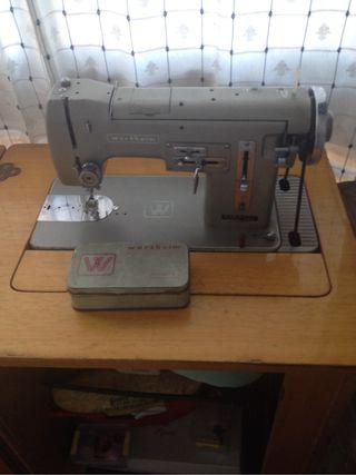 Maquina de coser Wherteim 120€