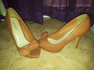 Zapatos de tacón camel del número 38