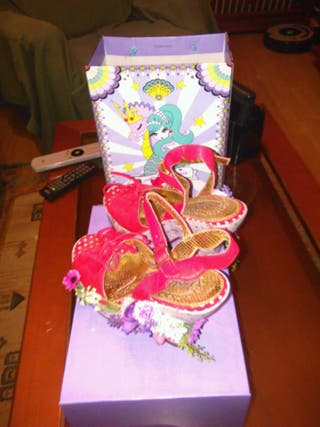 Sandalias Irregular Choice