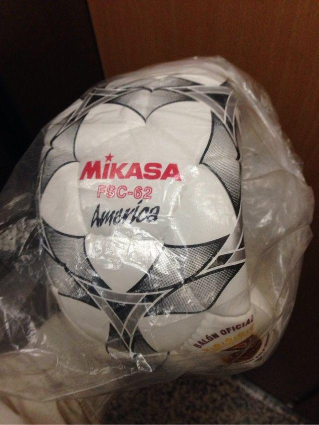 Balon futbol sala mikasa America Orginal de segunda mano por 32 € en ... ee92c29eafa68