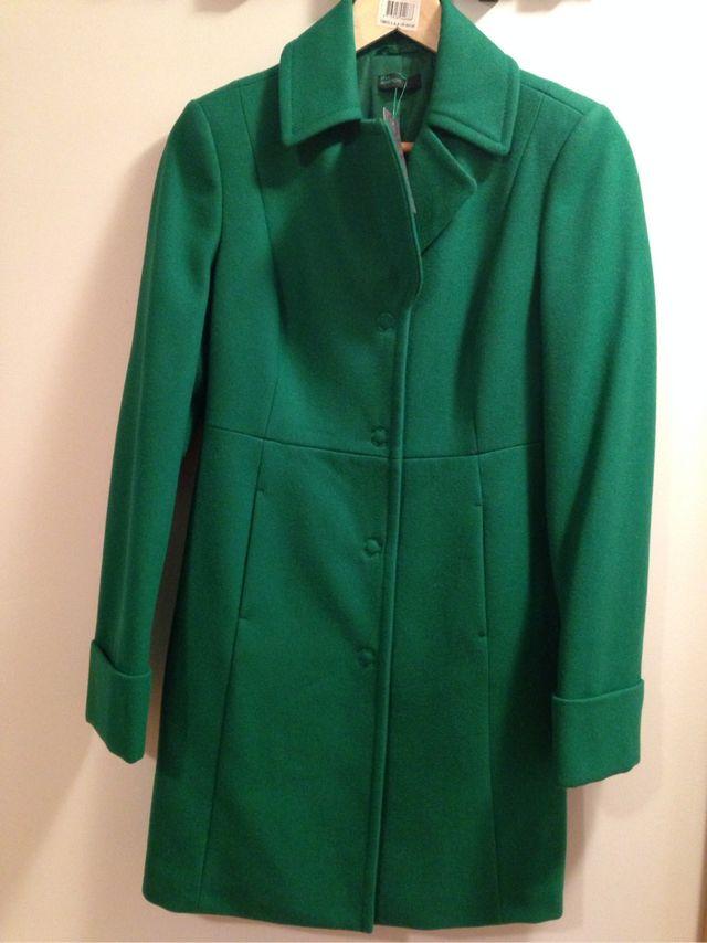 Abrigo verde benetton de segunda mano por 30 € en Madrid en WALLAPOP 8b2590ef43ad