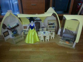 Casa de blancanieves y los siete enanitos