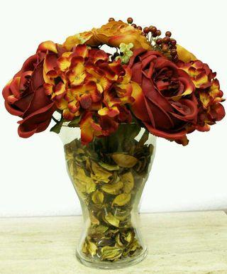 Jarrón de cristal con flores
