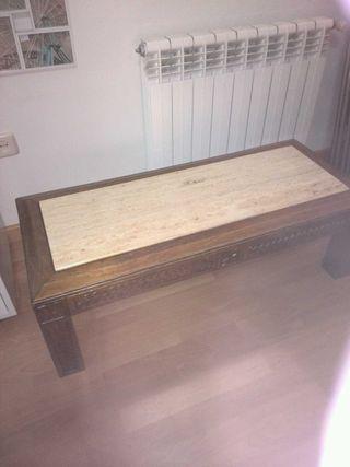 Mesa de madera y mármol antigua ,labrada y tapa de mármol travertino color crema,beis