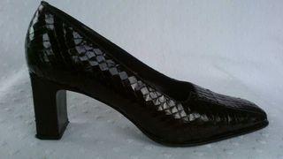 Zapatos negros de serpiente Luxax