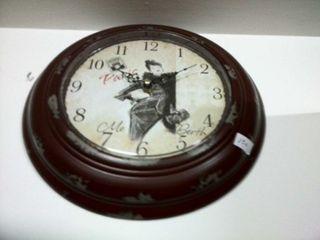 Reloj metal chapa en marrón