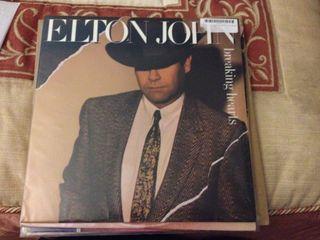 Elton John vinilo Breaking Hearts LP