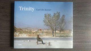 Libro de fotografía, Trinity de Carl de Keyzer