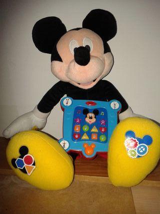 Mickey interactivo.