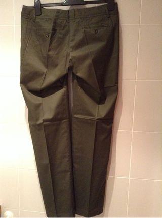 Pantalón Verde Oscuro Talla 40 De MANGO. Nuevo A Estrenar