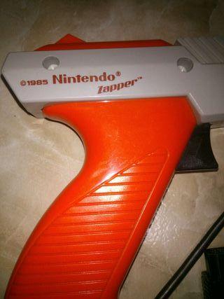 Vendo pistola Nintendo.