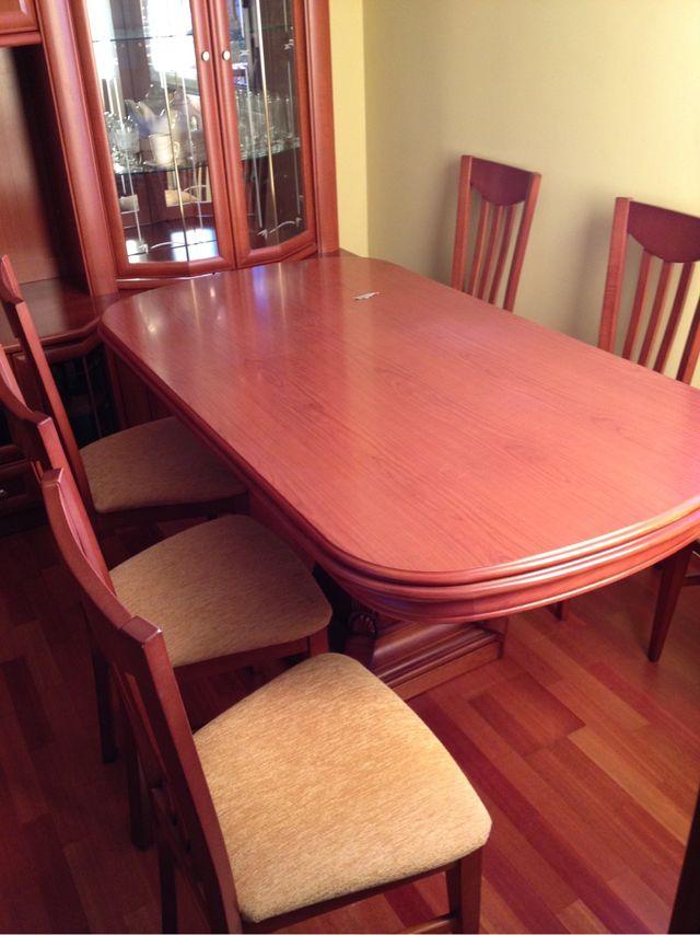 Mesa de salon extensible con 6 sillas color cerezo de segunda mano por 400 en trobajo del - Mesa salon extensible ...