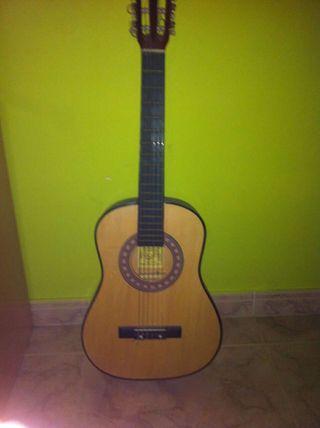 Guitarra española junior