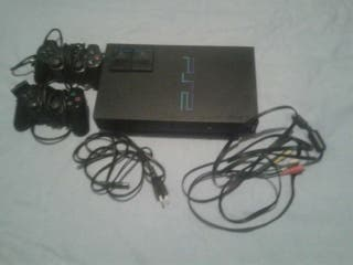 Playstation 2 (Fat) + Dos mandos