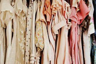 Vestidos blusas pantalones túnicas tops