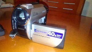 Videocámara Sony DCR-DVD106e
