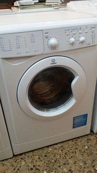 Lavadora secadora Indesit semi nueva