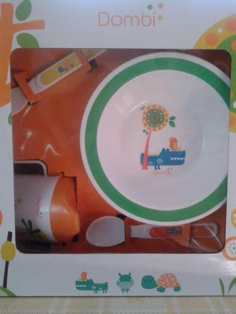 Vajilla para bebés apta para microondas.
