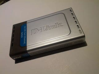 Switch 8 puertos D-link.