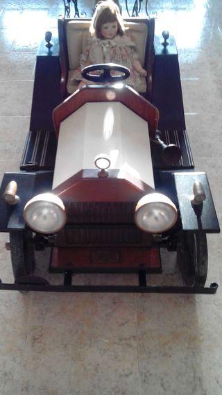Mini coche coleccionista