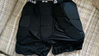 Protector coxis para patinaje(Crash Pant).