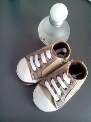 Zapatillas bebe, num 17, sin estrenar