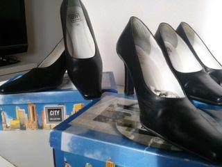 Lote zapatos de salón.