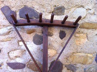 Rastrillo antiguo de madera
