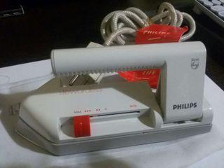 Plancha de viaje Philips sin estrenar.