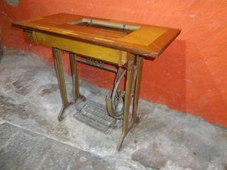 Mesa maquina de coser