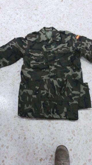 Traje de frio militar . uniforme