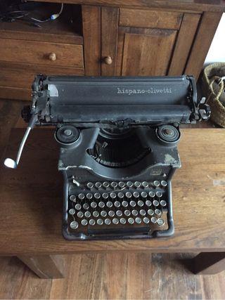 Maquina De Escribir Hispano- Olivetti
