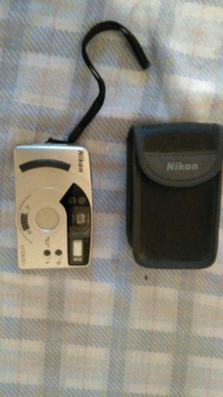 Cámara fotos con carrete Nikon