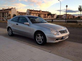 Mercedes clase c 200 gasolina 2003.
