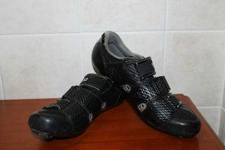 Zapatillas Shimano.