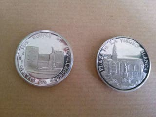 2 monedas de plata