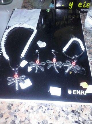 Conjunto de collar pendientes y pulsera