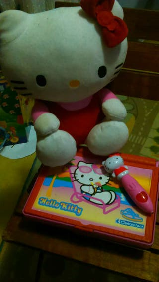 Peluche Hello Kitty interactivo